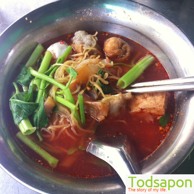 yentafour-tomyum-noodle-bts-udomsuk-01