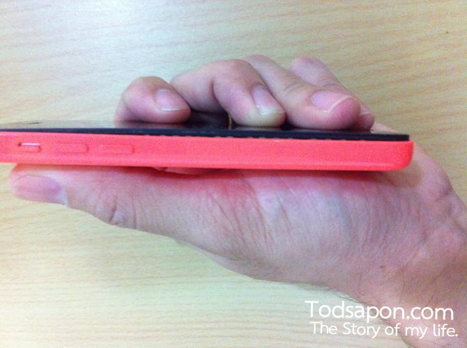 iPhone 5c สีชมพู แบตบวม ลองเทียบกับมือ